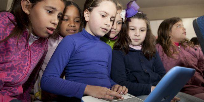 Calendário escolar estadual prevê aulas sábados e encerramento até 14 de janeiro