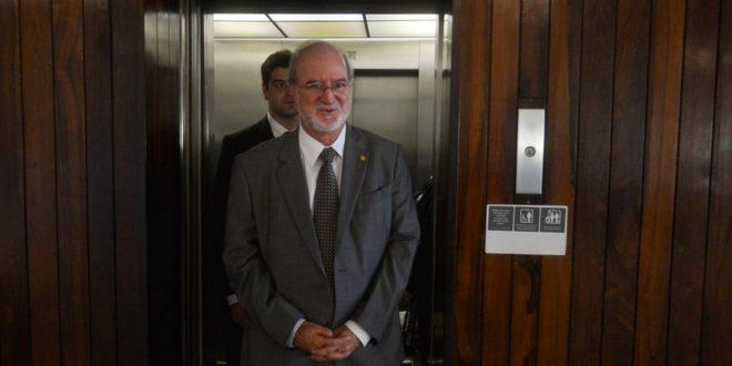 TJMG nega recurso e determina prisão imediata de Eduardo Azeredo