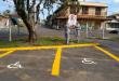 Vagas de deficientes são demarcadas e sinalização reforçada em São Leopoldo