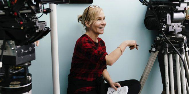 Netflix assina contrato global com Marti Noxon