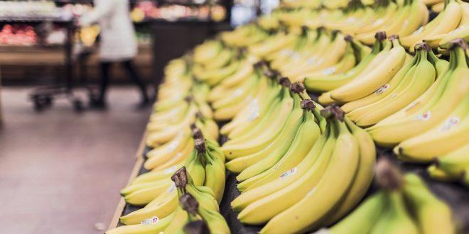 Banana e sabão em pó contribuem para queda do preço da cesta básica