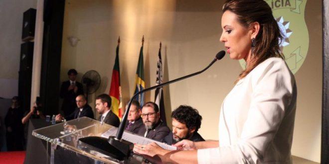 Delegada Nadine Farias Anflor toma posse como Chefe de Polícia do RS